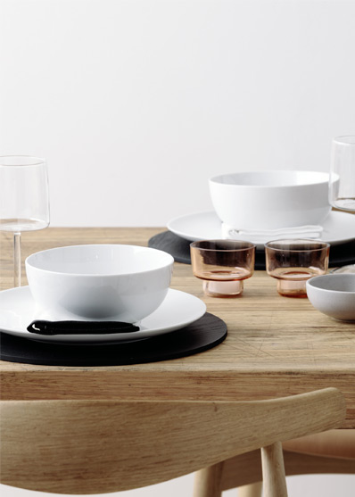 Above left Country Road Brynn dinner plate and bowl black ashwood placemat tapas dip bowl black and white napkin wine glass copper tone votive. & How To Style A Tabletop - Live With Us - Country Road